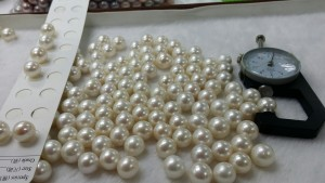 white round pearls