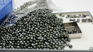 Many Tahitian pearls.